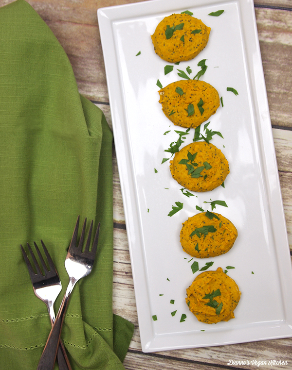 Curried Garbanzo Cakes with Poppy Seeds from Healing the Vegan Way by Mark Reinfeld, vegan and gluten-free >> Dianne's Vegan Kitchen