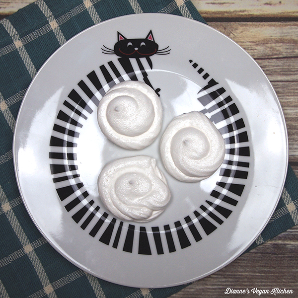 Aquafaba Meringue Cookies >> Dianne's Vegan Kitchen