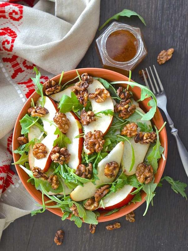 A Virtual Vegan's Pear Walnut Salad