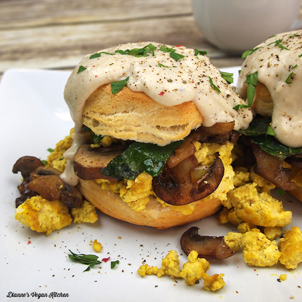 Biscuits and Gravy Breakfast Sandwiches