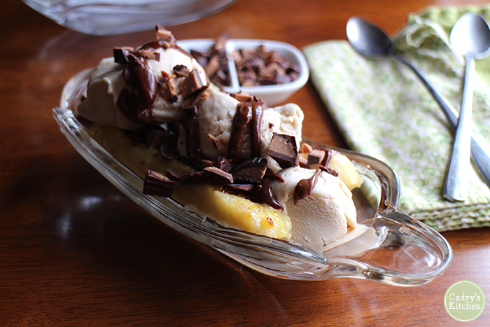 Cadry's Kitchen's Grilled Banana Splits with Chocolate Peanut Butter Sauce