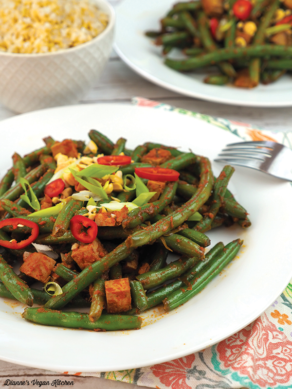 Thai-Style Red Curry Green Beans vertical