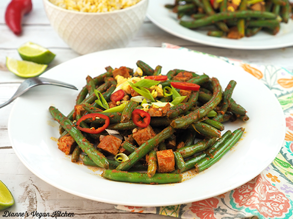 Thai-Style Red Curry Green Beans horizontal