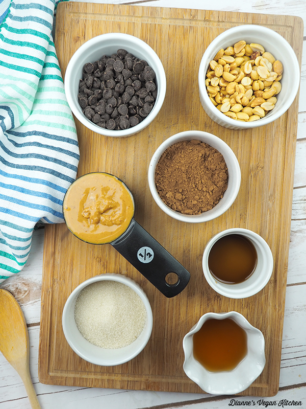 Chocolate–Peanut Butter Candy Bites ingredients