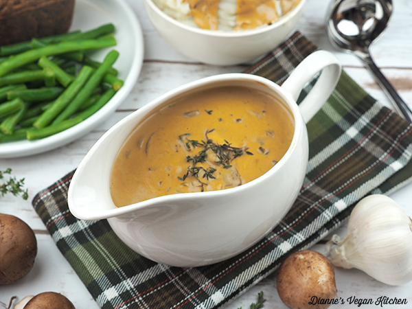 Creamy Vegan Cashew Mushroom Gravy horizontal