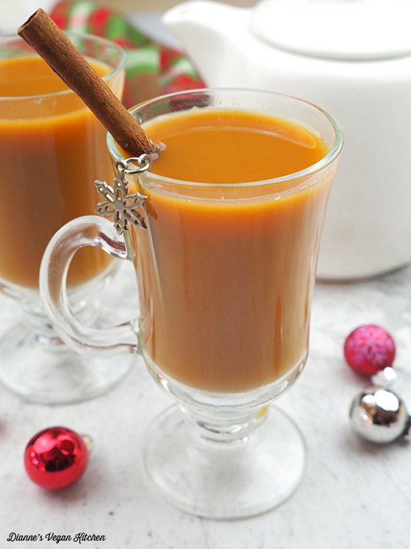Gingerbread Tea Latte (vegan)