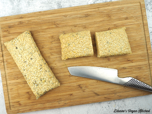 cutting tempeh