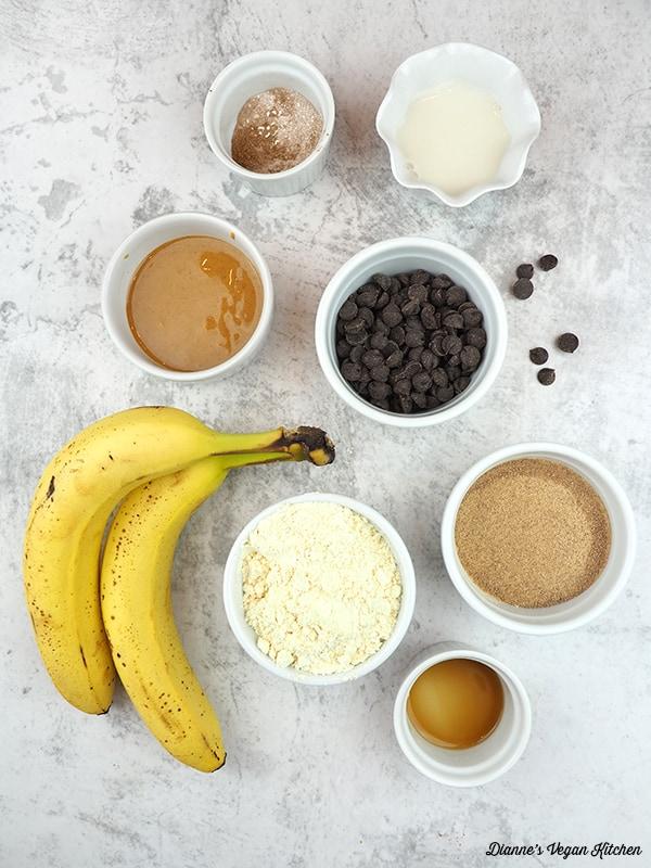 bananas, chocolate chips, flour