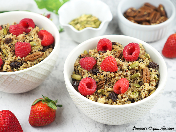 two bowls of quinoa horizontal