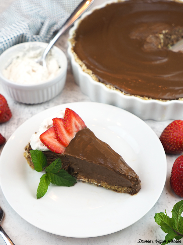 slice of Vegan Chocolate Cream Pie