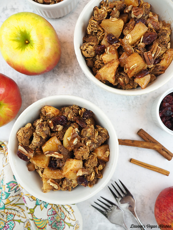 Two bowls of Healthy Vegan Apple Crisp