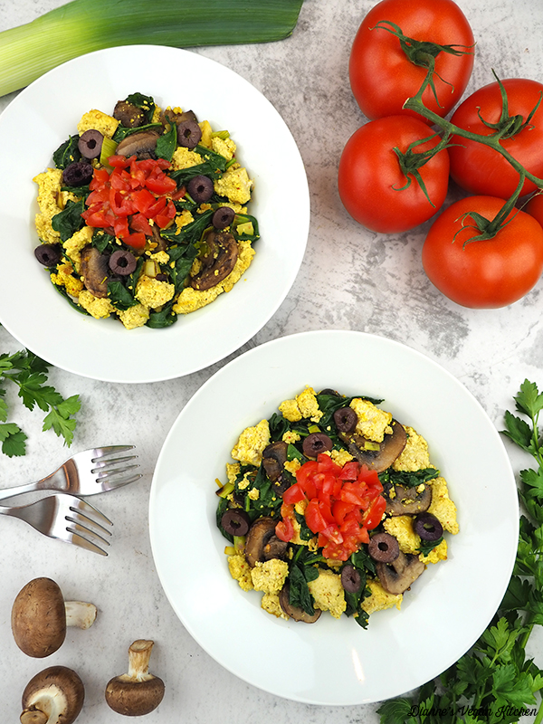 two bowls of tofu scramble