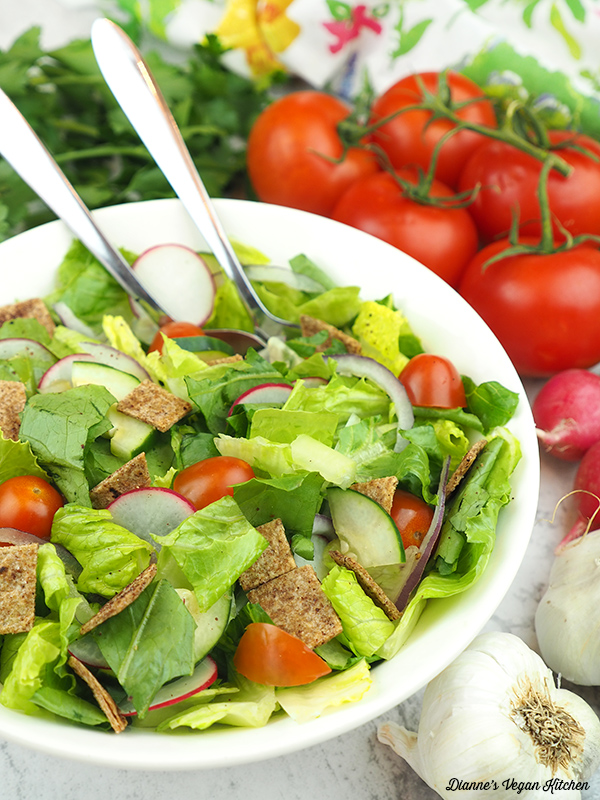 salad with tomatoes, garlic, and radishes