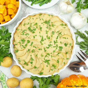scalloped potatoes with green beans, squash, and garlic